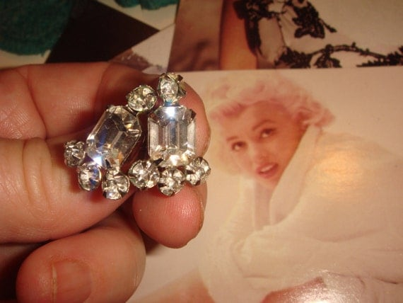 Marylin's Favorite 1930S Stunning Swarovski Clear Diamond SCREW BACK Earrings Silver tone Sparkly Bling Art Deco easily made into pierced