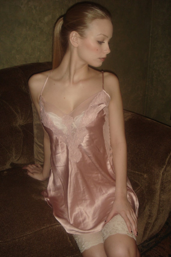 Vintage Fredrick's Of Hollywood camisole Blush Lacey