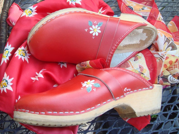 Vintage  Ladies Skane Tofflen Hand painted Wooden Clogs Swedish Clogs Genuine Red Leather Mint Condition