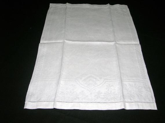 Vintage 1930's Linen Hand Towel With Damask Border Edge Pattern