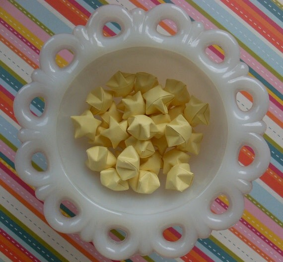 Origami Stars in Light Yellow, set of 24.
