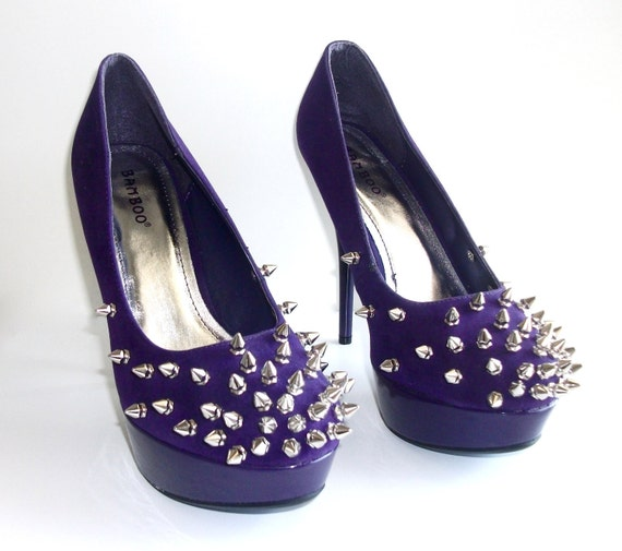 Spiked Fade Suede Pumps- Purple