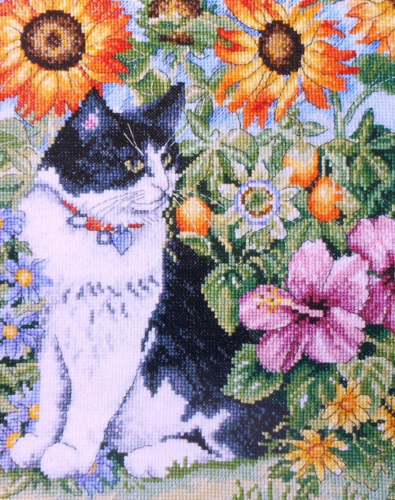 Amanda Gregory FELINE in the FLOWERs - British Counted Cross Stitch Pattern Chart - Great Britain