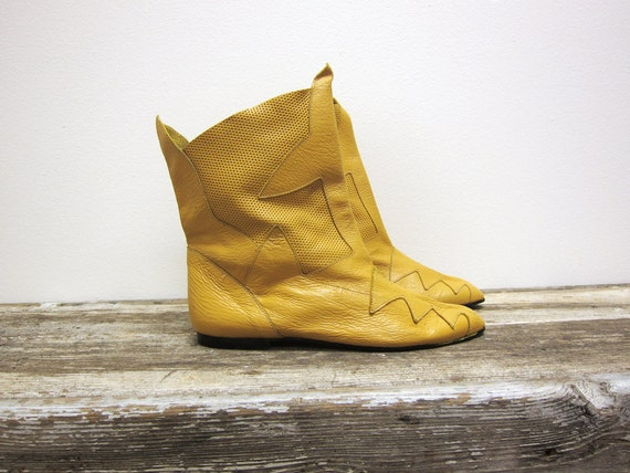 Vintage Womens  Bright Sunshine Yellow Ankle Boots Size 7 1/2