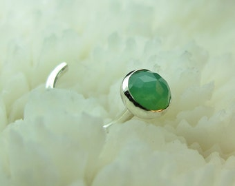 CHRYSOPRASE, 4mm, nose jewelry, nose stud, nose ring, nose screw, green, Sterling Silver, faceted, rose cut,