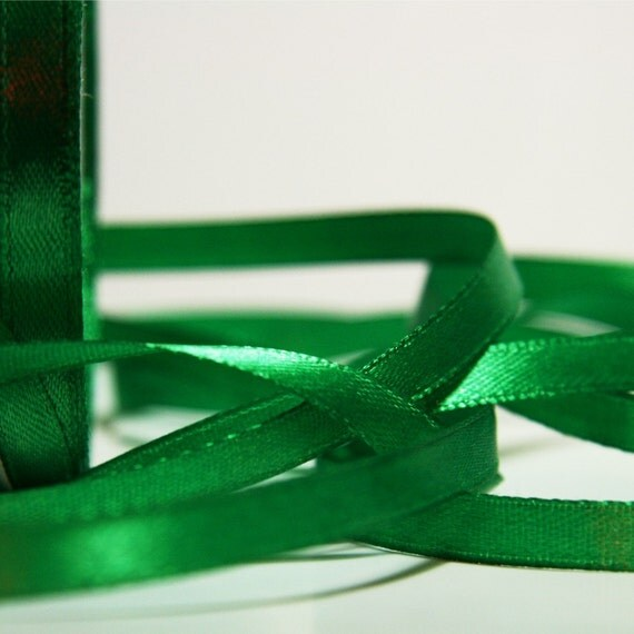 GREEN SATIN RIBBON (6mm) 10m - 11 yards S 40 069