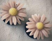3/4 inch 19mm Pink Tan Daisy Flower Acrylic Plugs stretched ears body art chic fun fashion Spring Summer Shabby Chic Regency Hippie