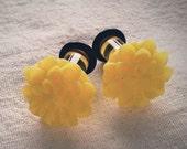 2g 6mm Plugs Sunshine Yellow Chrysanthemum Dahlia Acrylic gauge piercing streched lobes body art chic fun fashion kawaii