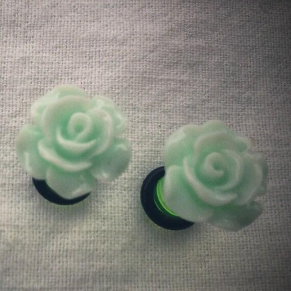 2g 6mm Plugs Mint Green Flower Acrylic gauge piercing streched lobes body art chic fun fashion kawaii
