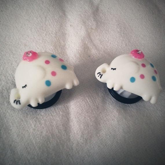 1/2 inch 12mm Plugs White Elephant Animal gauge piercing stretched lobes body art chic fun fashion kawaii