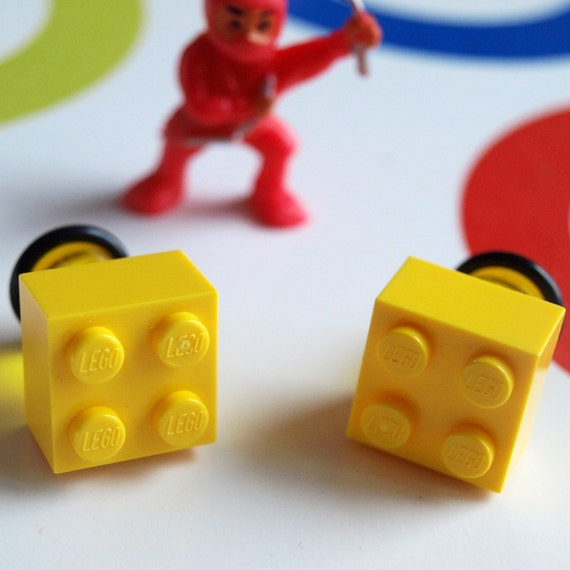 Yellow Toy Bricks 00g 10mm Studs Nerd Geek Chic 80s kitsch cool