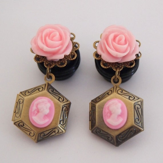 1/2 inch 12mm Baby Pink Locket Dangle Girly Plugs - Stretched Ears Body Modification Victorian Gothic Lolita