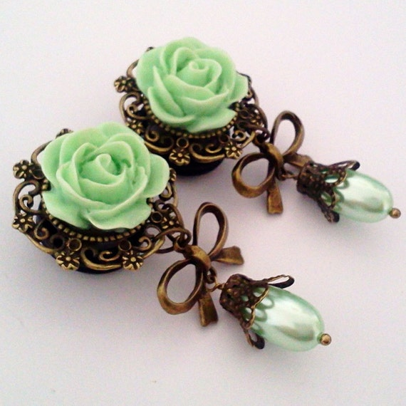 9/16 inch 14mm  Mint Green Pearly Roses Dangly Plugs for Stretched ears - EGL Sweet Street Fashion Unique