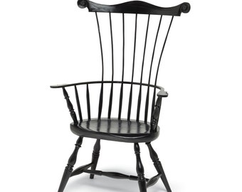 Comb-back Windsor chair