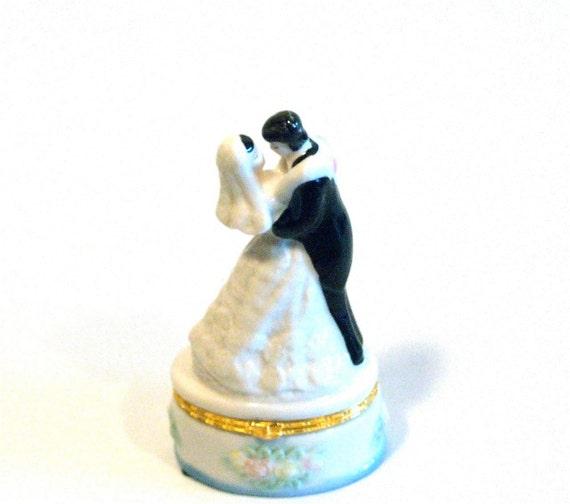 Bride Groom Wedding Box dancing Trinket, Treasure, Ring, Keepsake Box for rings or cake top