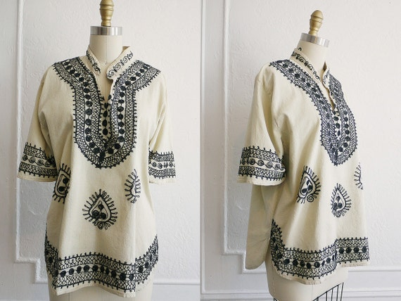 Vintage Women's Bohemian Top / Embroidered Hippie Shirt / 1960s Hippie Top / Bohemian Vintage Hippie