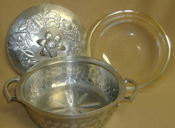 Hammered Aluminum Everlast Hand Forged Casserole Dish Pyrex Insert