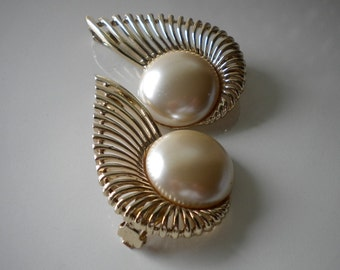 Vintage Runway Gold and Pearl Earrings Sarah Coventry In Flight 1957