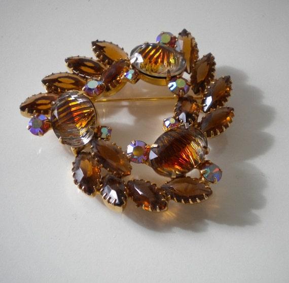 1950's Brown Rhinestone Brooch  Molded Art Glass Vintage Browns