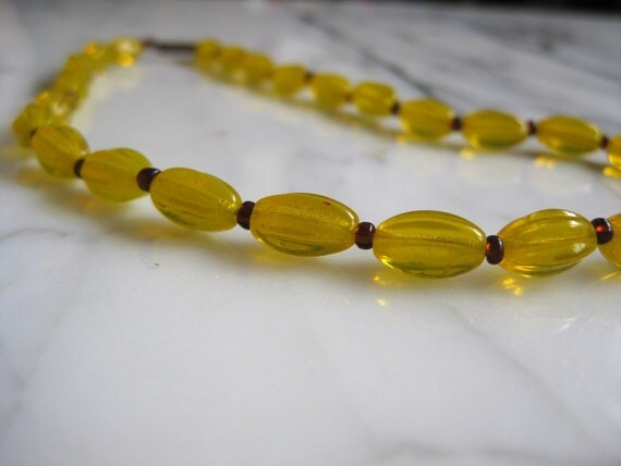 1940's Glass Mardi Gras Beads -- Yellow and Purple
