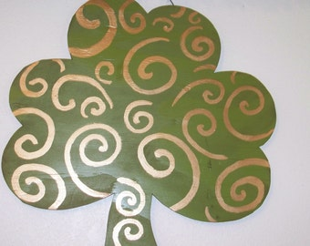 Clover with Metallic Gold Swirls
