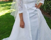 Vintage White Satin and Lace Wedding Dress 60s - Size: Small