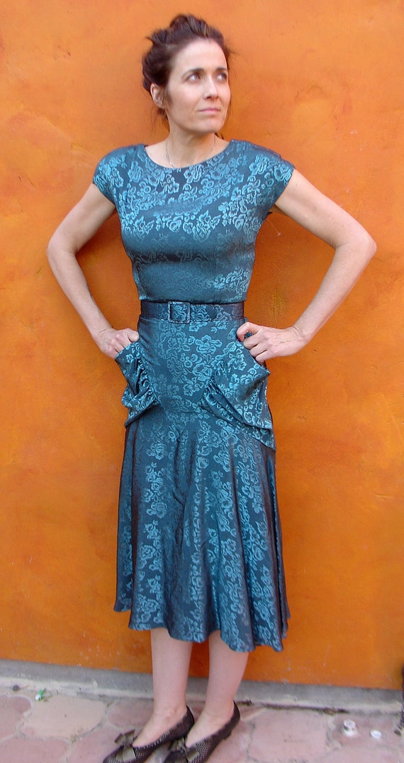 Sexy 1940s style Vintage Dark Teal Brocade Floral Belted 1980s GLAM Rayon Summer Garden Party Dress SMALL. Mint