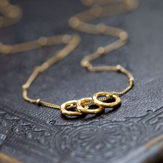 Three Gold Circles Necklace / Simple Everyday Gold Necklace / Small Dainty Hammered Circles on Gold Filled Chain