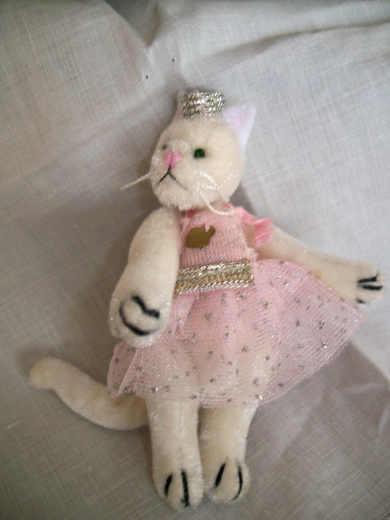 Miniature Jointed Velvet Princess Kitty Cat Miniature Figure