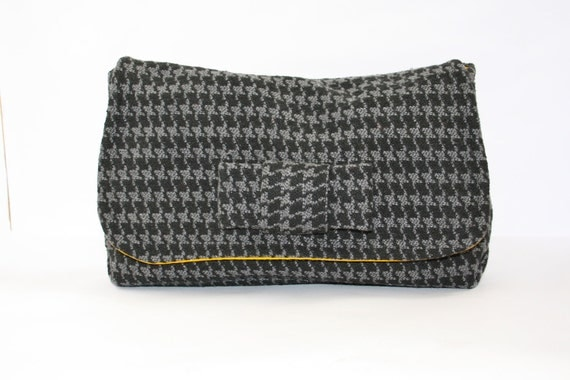 Herrigbone and mustard clutch