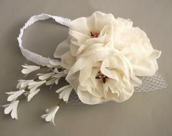 Shabby Chic Bridal Fascinator, Ivory Cream Bridal Flower Hairpiece Holly Communion Girl Boho Wedding Head Piece Spring Wedding Unique Design