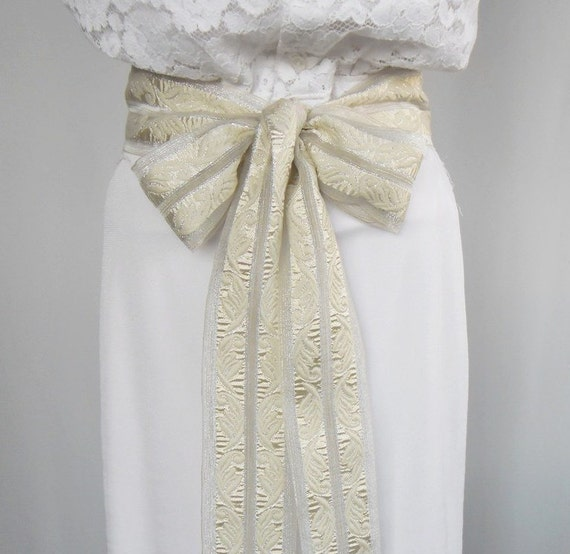 Weddings Dress Belt - Bridal Sash in Obi Style Made with Ivory Cream Color. Handmade and Unique Design.