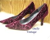 Vintage Bandalino Stilettos in Burgundy Velvet Size 6.5