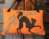SALE REG. 12.00 NOW 9.00 Scaredy Cat Primitive Handmade Halloween Door Hanger Pillow