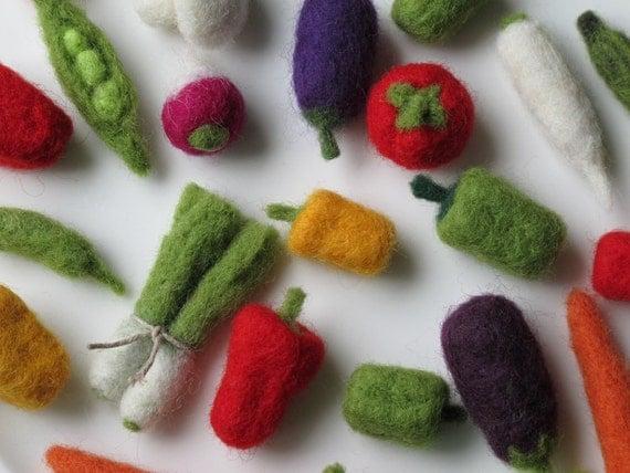 Felted vegetables-Gift set of 21 miniature veggies