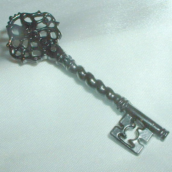 Vintage Black Enamel Key Brooch