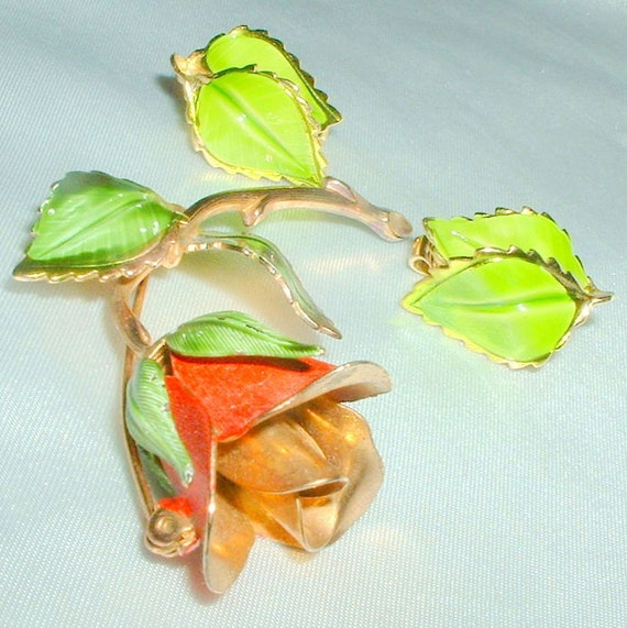 Vintage Giovanni Enameled Rose Brooch and Earring Demi