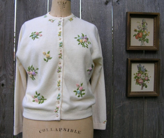 Vintage 50's PASTEL POSIES Embroidered Cashmere Angora Cardigan Sweater