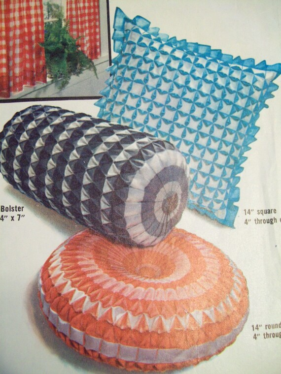 Sewing Pattern - Vintage Gingham Smocked Pillows with Origami Patterns  - Simplicity 4679