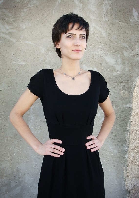 SALE - Classic little black dress