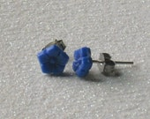 Vintage Cornflower Blue Glass Flower Stud Earrings