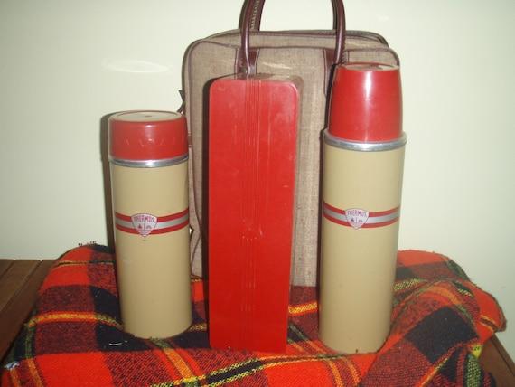 Vintage 1950's Thermos picnic set