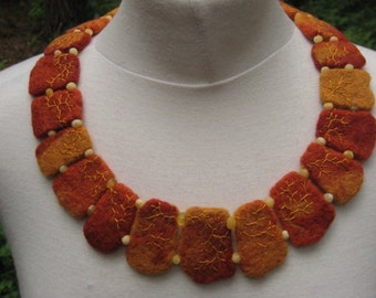 FELTED NECKLACE AMBER Collar Choker Collier Yello Brown