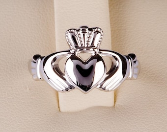 Claddagh ring in  palladium