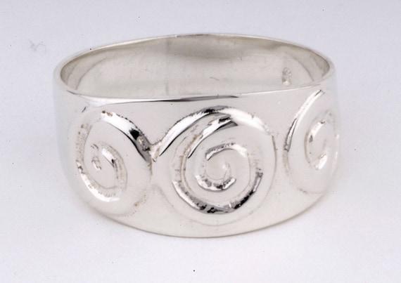 Celtic Rimg in sterling silver