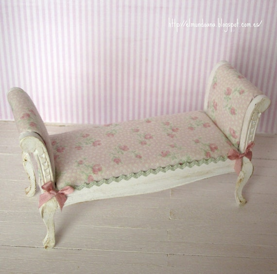 Miniature bedroom bench