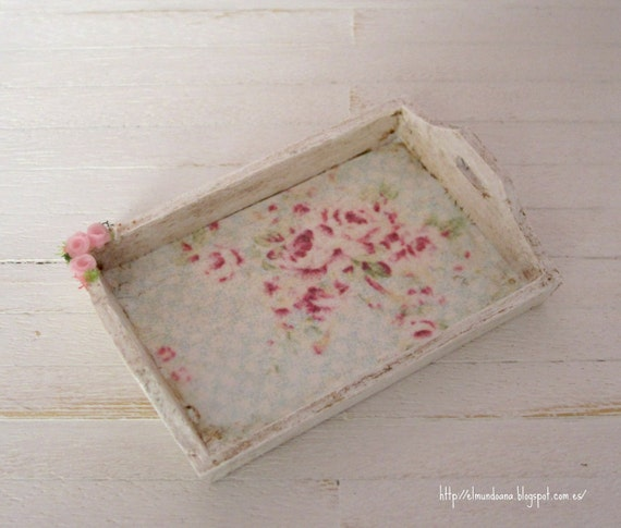 shabby chic style tray .Scale 1:12