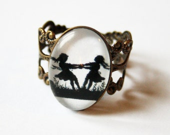 Dancing Sisters Silhouette Nostalgic Ring bronzecolored - adjustable white black fairy tale special gift twin sister friend daughter jewelry