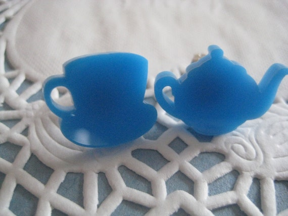 TEACUP AND TEAPOT pretty blue earrings