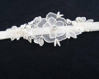 ivory wedding garter /single bridal garter / lace garter / ivory garter with lace applique and small rhinestone